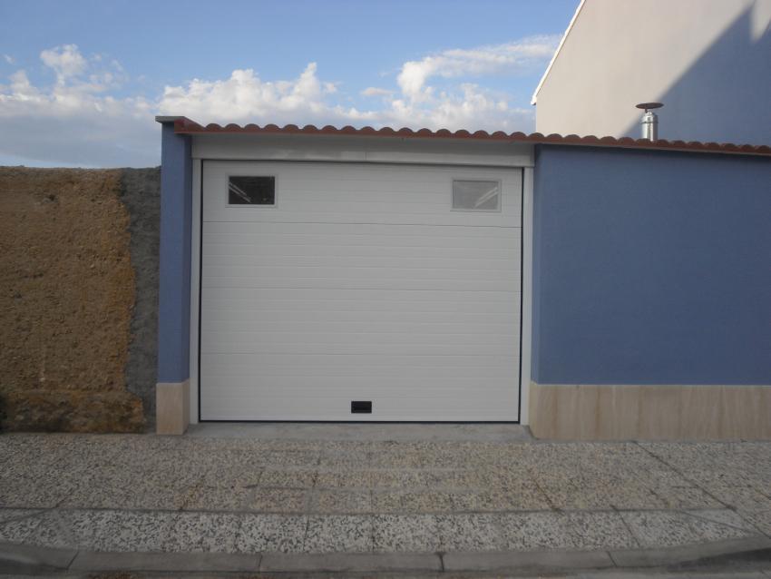 Talleres villamond carpintera de aluminio y hierro - Puerta chapa galvanizada ...