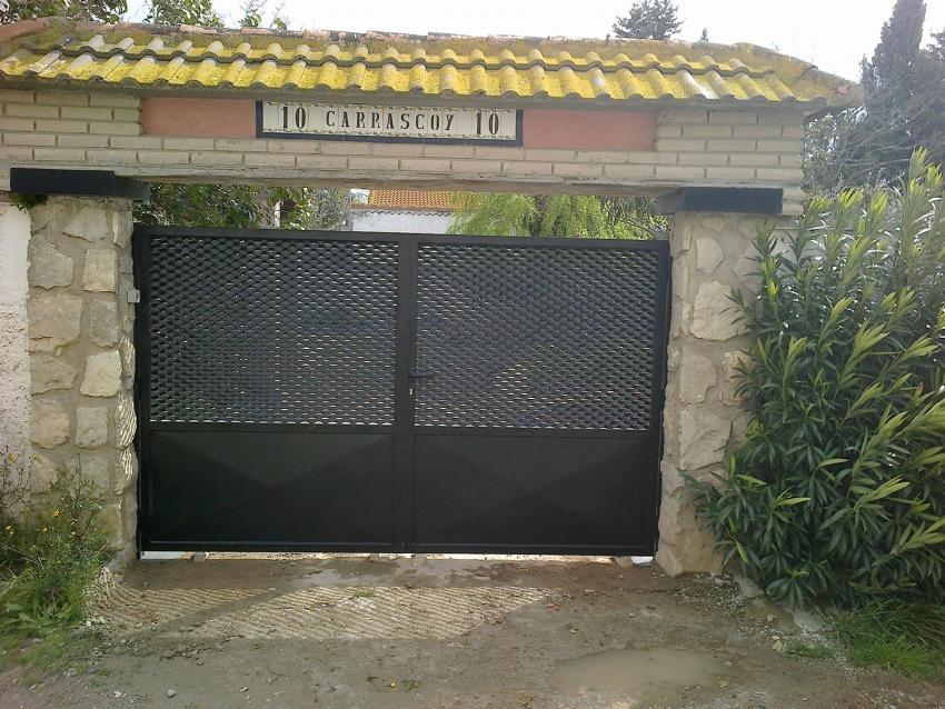 talleres villamond carpintería de aluminio y hierro   puertas de