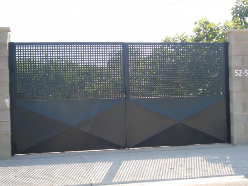 Talleres villamond carpintera de aluminio y hierro for Puertas cancelas de hierro